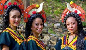 ejemplos de grupos minoritarios